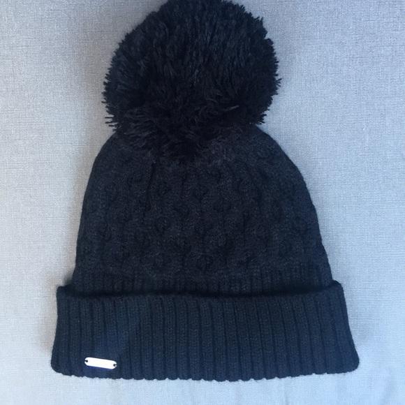 b2b37c813c1 Calvin Klein Honeycomb Cable Knit Beanie Hat